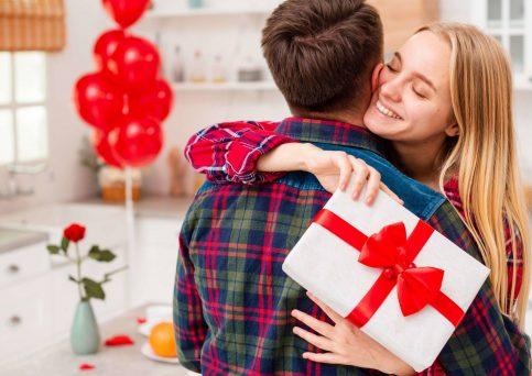 Ideias de como comemorar o dia dos namorados em confimamento