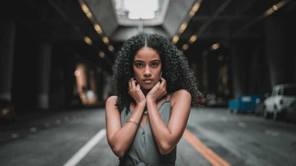 Como ser mulher e lidar com as pressões sociais